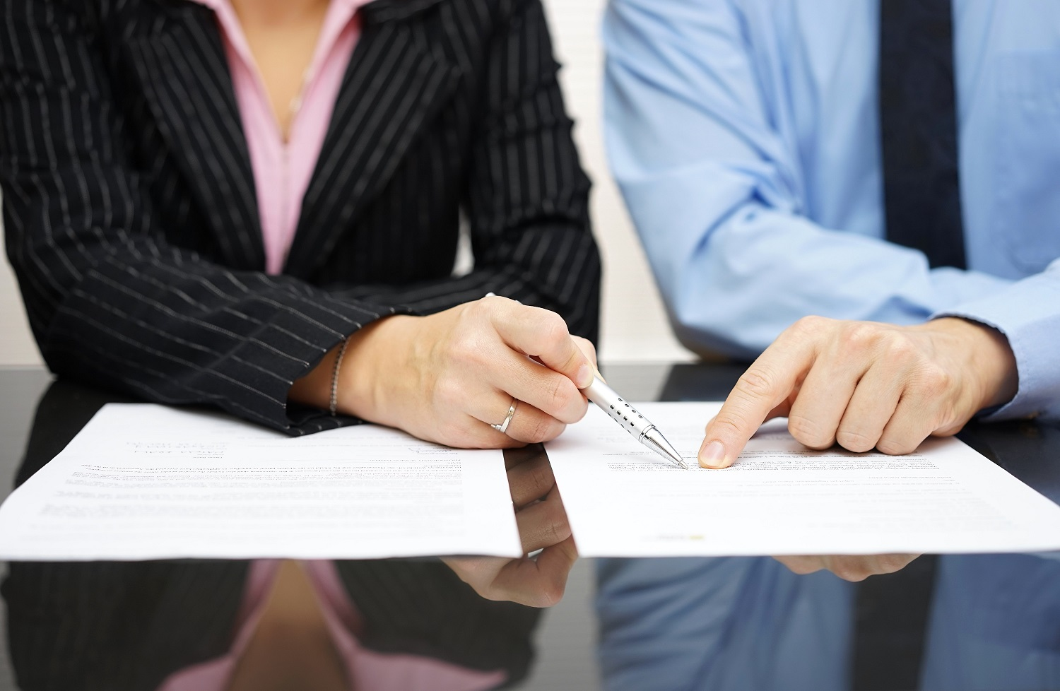 Are Contracts Written By Lawyers Better Than Templates